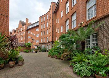 Erasmus Street, London SW1P. 3 bed flat