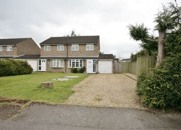 3 bed property to rent in Thames Avenue, Bicester OX26