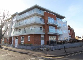 Thumbnail 2 bed flat to rent in Leigh Road, Leigh On Sea, Essex
