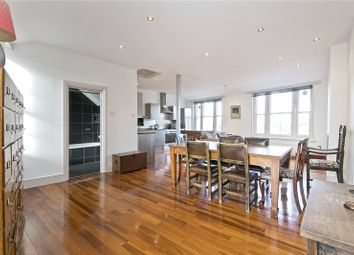 Thumbnail 3 bedroom flat to rent in Essex Road, Canonbury