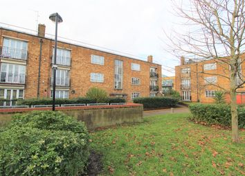 4 bed flat to rent in Ida Road, London N15