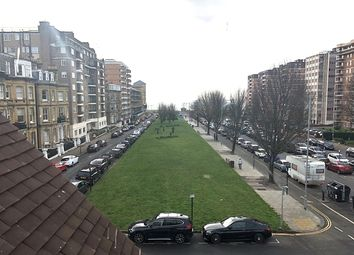 Thumbnail 2 bedroom flat to rent in Grand Avenue, Hove