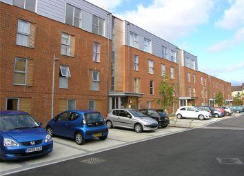 Lake Court, Medway Drive, Tunbridge Wells, Kent TN1. 2 bed flat for sale