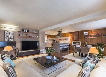 Thumbnail 2 bedroom flat to rent in Whiteheads Grove, Chelsea