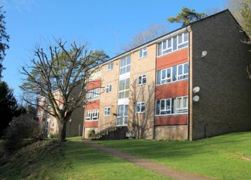 2 bed flat to rent in Succombs Hill, Warlingham CR6