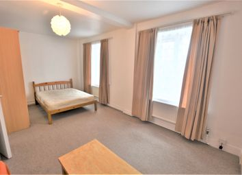 Thumbnail Studio to rent in Clarence Way, London
