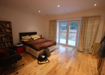 Thumbnail 4 bedroom flat to rent in York Way, London
