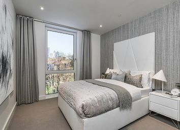 London Square Bermondsey, Bermondsey, London SE1. 3 bed flat for sale