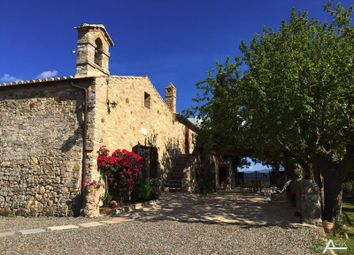 Thumbnail 7 bed farmhouse for sale in Strada di Riguardo, San Quirico D'orcia, Siena, Tuscany, Italy