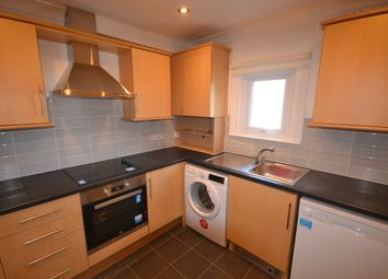 3 bed flat to rent in Melrose Avenue, London NW2