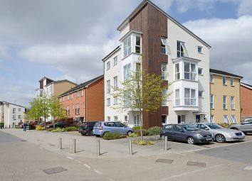 Thumbnail 1 bed flat for sale in Gweal Avenue, Reading