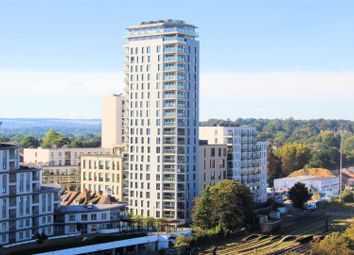 Thumbnail 2 bed flat to rent in Guildford Road, Hook Heath, Woking