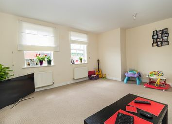 Thumbnail 2 bed flat for sale in Kedleston Road, Grantham