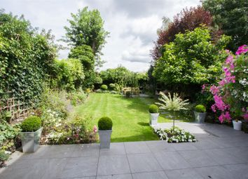 Thumbnail 2 bed flat for sale in Cromwell Place, Highgate