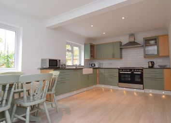 Thumbnail 5 bed detached house to rent in Lower Wokingham Road, Crowthorne, Berks