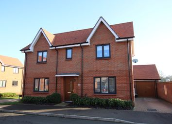 Thumbnail 4 bed detached house to rent in Weaver Avenue, Arborfield Green, Reading