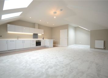 Thumbnail 2 bedroom flat for sale in Castle Crescent, Reading, Berkshire