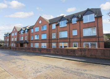 Thumbnail 2 bed flat for sale in Homethorne House, Crawley
