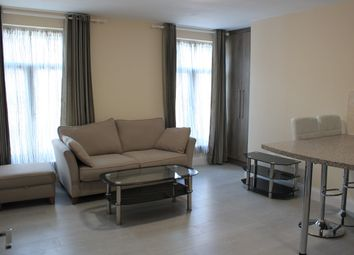 Thumbnail 1 bed flat to rent in 75 London Street, Reading