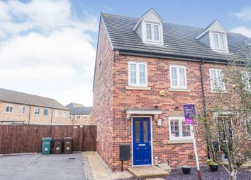 3 bed town house for sale in Blenheim Way, Castleford WF10