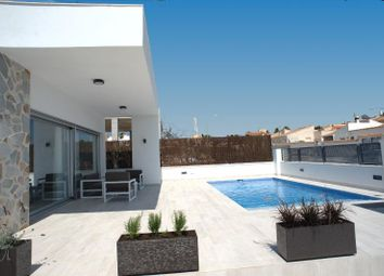 Thumbnail 3 bed chalet for sale in Sin Calle 03183, Torrevieja, Alicante