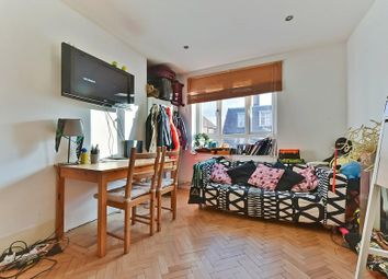 Thumbnail 2 bed flat to rent in Nelsons Row, Clapham