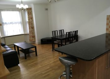 2 bed flat to rent in The Corner, Grange Road, London W5