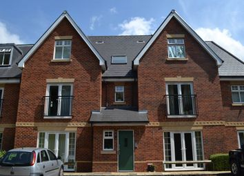 2 bed flat to rent in Brookvale Court, 324 London Road, Newbury RG14