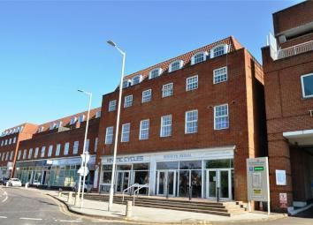 Thumbnail 2 bedroom flat to rent in Longcroft House, Fretherne Road, Welwyn Garden City, Herts