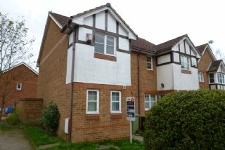 Thumbnail 3 bed end terrace house to rent in Barnsbury Gardens, Newport Pagnell, Buckinghamshire