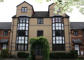 Thumbnail 1 bed flat to rent in Mallard Row, Reading, Berkshire