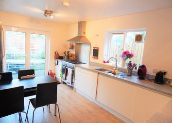 Thumbnail Room to rent in Swanage Road, Earlsfield, London
