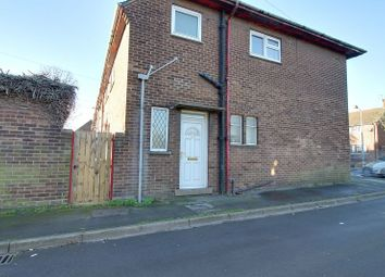 Thumbnail 2 bed flat to rent in Bellingham Road, Scunthorpe