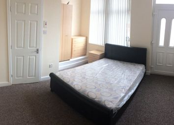 Thumbnail Room to rent in Sandhurst Avenue, Leeds
