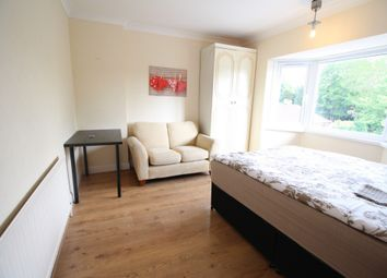 Thumbnail 5 bed flat to rent in Cecilia Road, Hackney