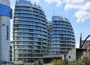 Thumbnail 1 bed flat to rent in The Bezier Apartments, City Road, London