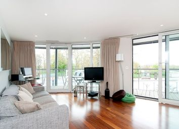 Thumbnail 1 bed flat to rent in Queenstown Road, Battersea