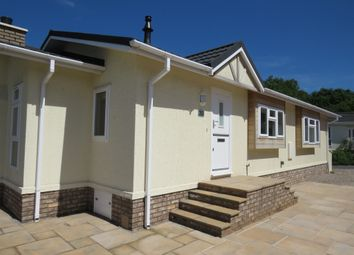 Thumbnail 2 bed mobile/park home for sale in Red Lane, Burton Green, Kenilworth