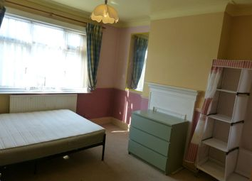 Thumbnail 1 bed flat to rent in Montpelier Rise, London