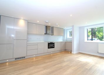 Thumbnail 1 bed flat to rent in Ray Park Avenue, Maidenhead