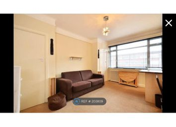Thumbnail Studio to rent in Du Cane Court, London
