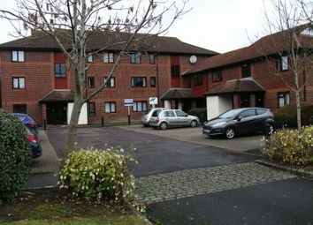 Thumbnail Studio to rent in Linacre Close, Didcot