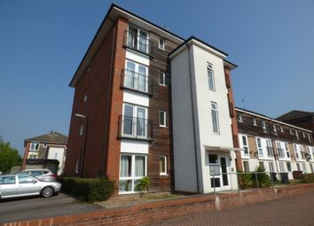Thumbnail 2 bed flat to rent in Meadow Way, Caversham, Reading