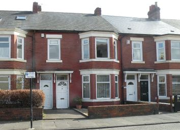 Thumbnail 3 bed flat to rent in North Road, Wallsend