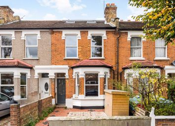 3 bed property for sale in Cranmer Avenue, London W13