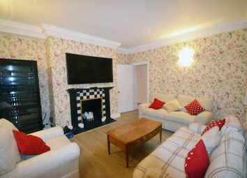 Thumbnail 2 bed flat to rent in Hyde Park Place, London