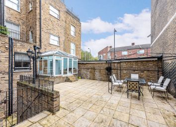 Thumbnail 3 bed flat to rent in Kings Road, Chelsea, London