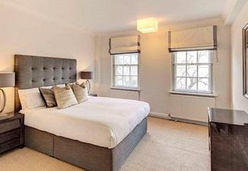 Thumbnail Property to rent in Pelham Court, Fulham Road, Chelsea