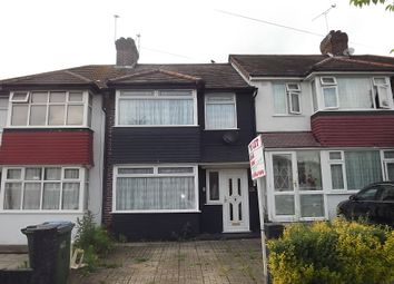 Thumbnail 3 bed terraced house to rent in Combeside, Plumstead