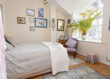 Room to rent in Rope Street, London SE16